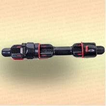 Катушкодержатель черный с красным, прорезиненный, 122 мм