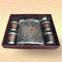 Подарочный набор фляжка и рюмки в коробке