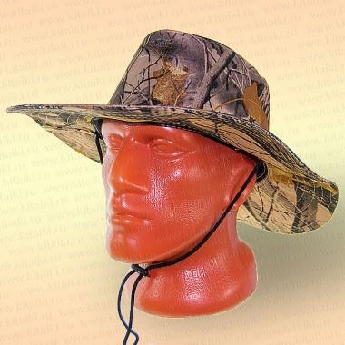 Шляпа рыболова; лес осенний